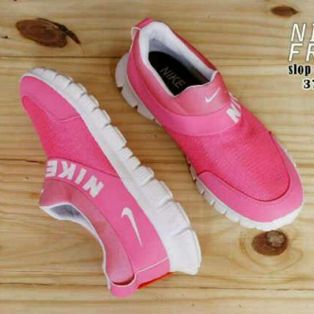 Nike free women running slipon