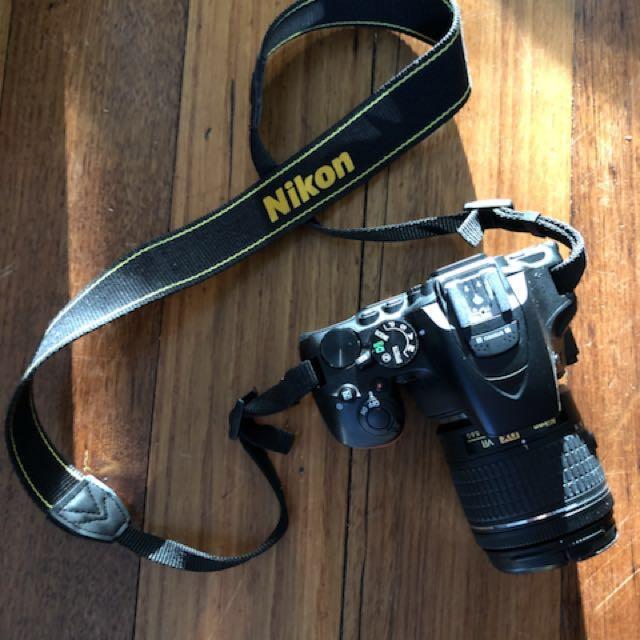 Nikon D5600 Camera