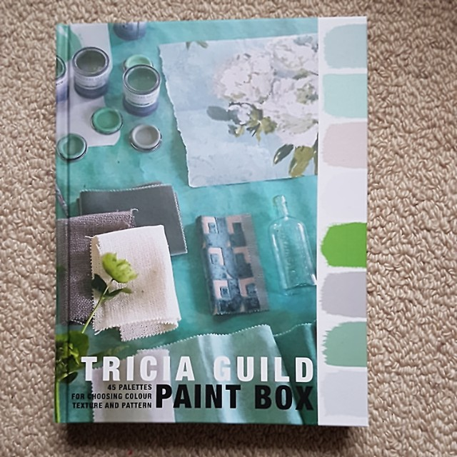 Paint Box: 45 palettes for choosing colour texture and pattern by Tricia Guild