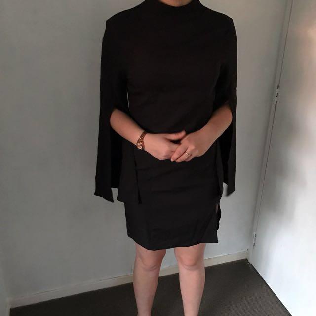 *Price Negotiable* Black Mock Split Bell Sleeve Dress