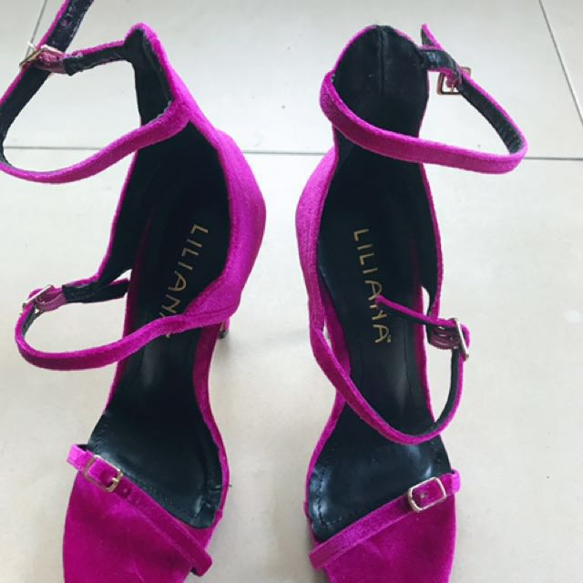 Purple velvet strappy stiletto in mint condition size 7