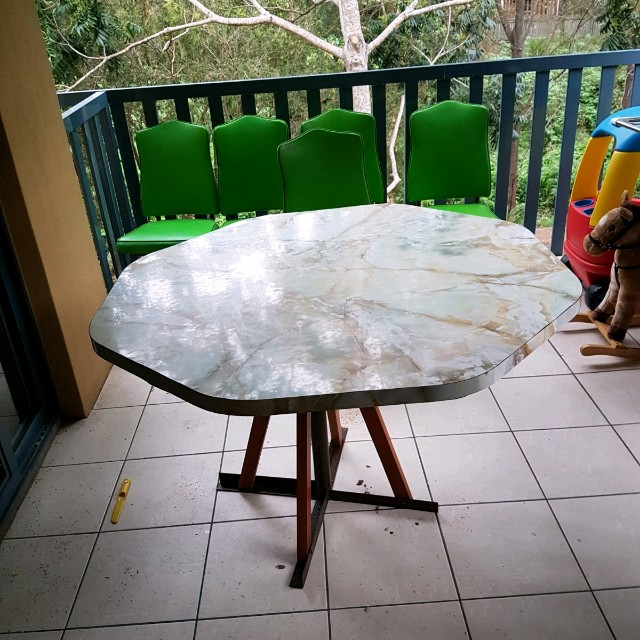 Retro table and 5 chairs