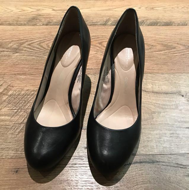Rockport Walkability Black Leather Shoes, size 8.5 (euro 38
