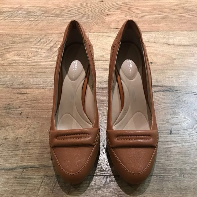 Rockport Walkability Leather Shoes in Tan, size 8.5 (euro 39)