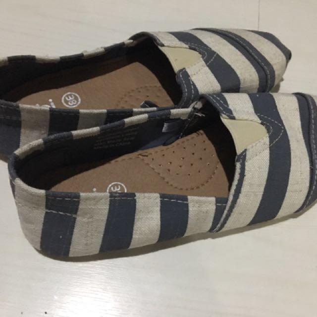 Rubi Canvas Sneakers