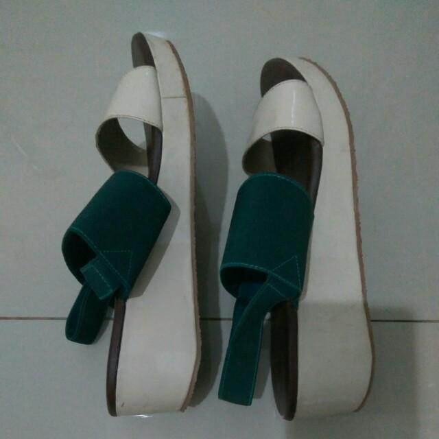 Sepatu merk FLD/fladeo