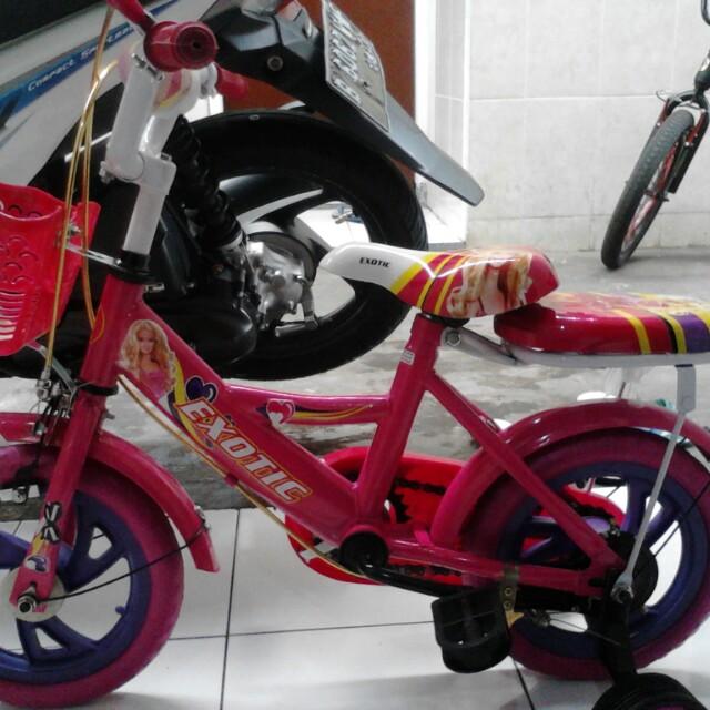 Sepeda anak pink