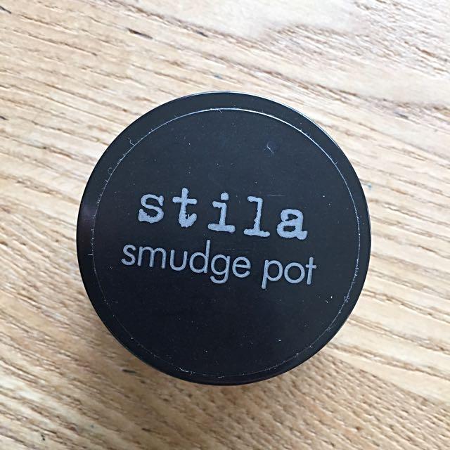 STILA Smudge Pot Waterproof gel eye liner