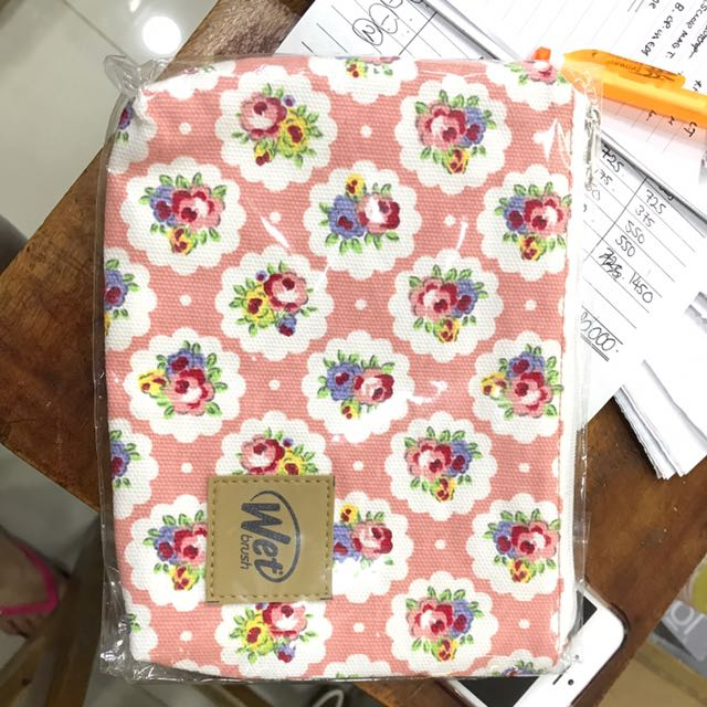 The wet brush floral pink pouch new