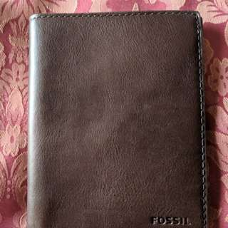 NWT Fossil Leather Passport Case