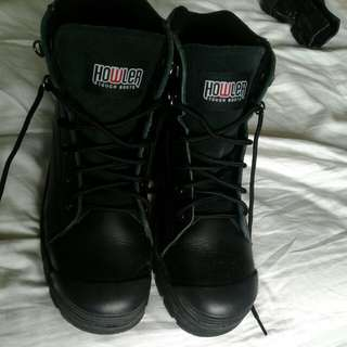 Howler tough work boots