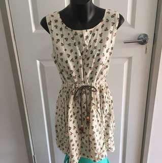 Floral Cream Dress Size 6-8