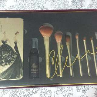 Makeup Brush Set 10 pcs. Christian Siriano Limited Edition. New York. $35 Only.