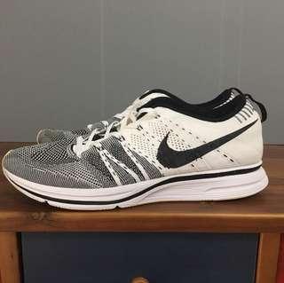 Nike flynit trainer og 白