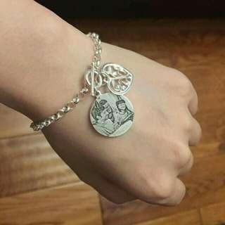 Engrave photo necklace