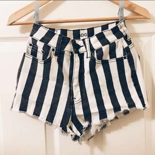 NEw BDG High Waisted Shorts SIZE 25