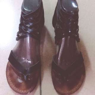 ALDO.  真皮羅馬涼鞋 黑 35號