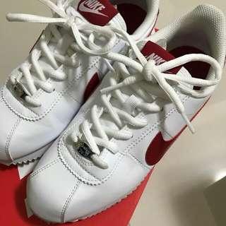 Nike復古阿甘鞋