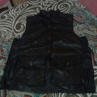 Rompi leather