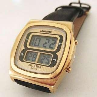 七十年代古董浪琴(第一代電子跳字LCD手錶) Longines Model LCD 133 電子時分秒日曆響鬧男裝腕錶 : 100%原裝瑞士制造浪琴,鬧鐘够響,時分秒準確,原裝 浪琴厚包金錶殼(新淨)35mm x 40mm 及特闊錶耳20mm,運作正常。