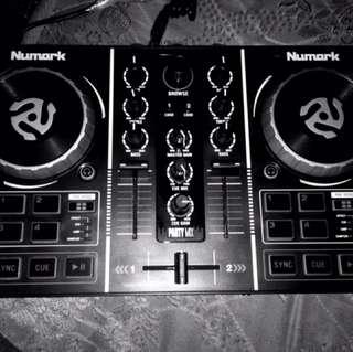 Mini cotroler DJ Numark Party Mix