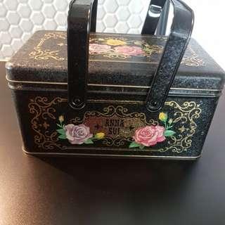 Anna Sui make up box