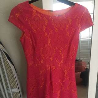 Review lace dress size 8
