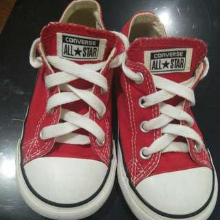 Repriced Original converse size 8.age 2-3 yr old