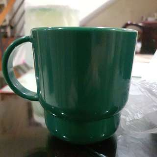 Tupperware cups green microwavavle