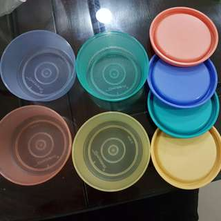Small tupperware container set