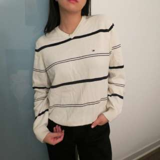 Cute tommy hilfiger sweater