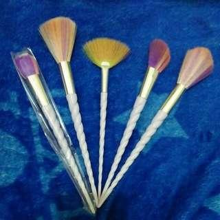 Rainbow Unicorn Brush Set Import (1 new)