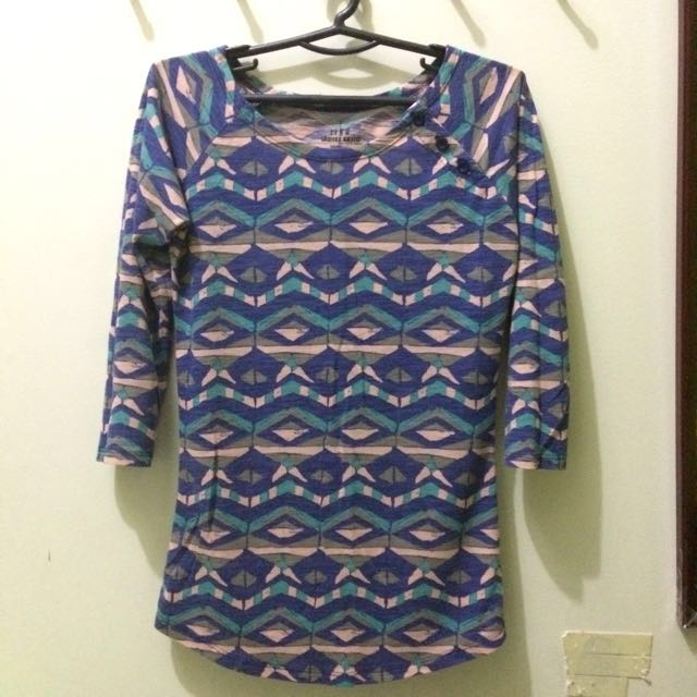 3/4 elbow sleeve aztec top