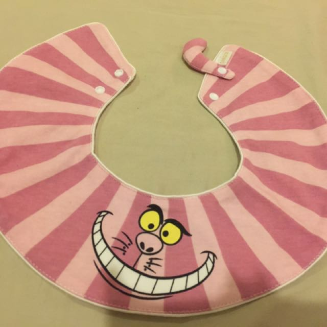 愛麗絲微笑貓圍兜-現貨