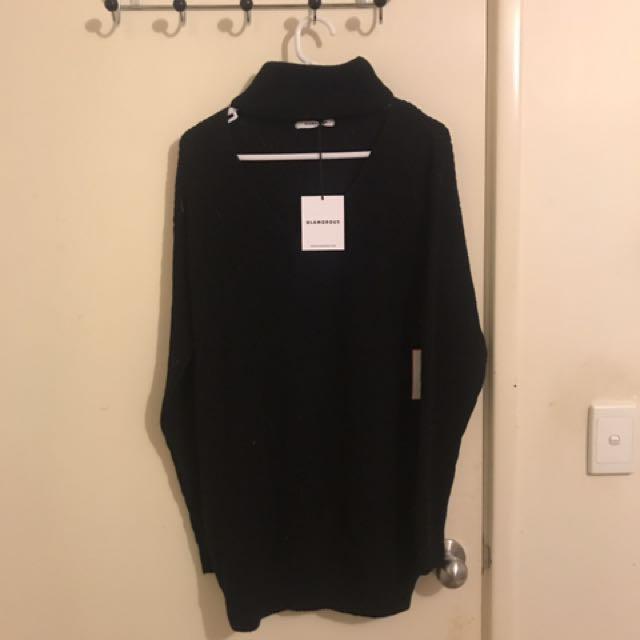 Black choker knit