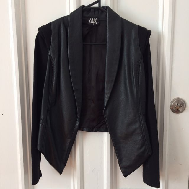 Black cropped jacket