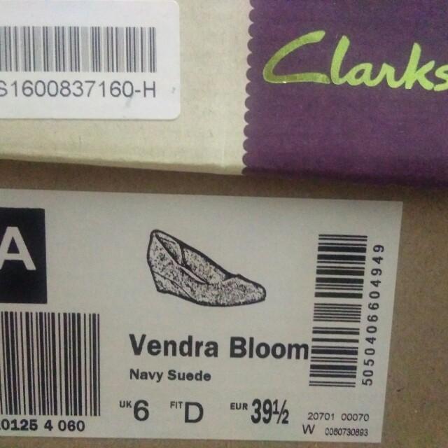 a60dee2754bb Clark Artisan Vendra Bloom - Navy Suede colour
