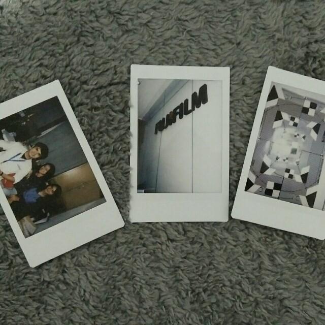 Contoh Hasil Foto Polaroid Instax