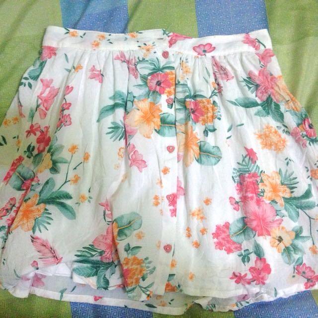 Cute Bershka floral skirt