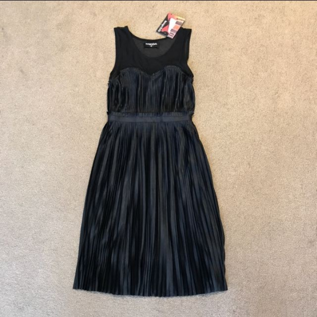 Danger field silky pleated dress