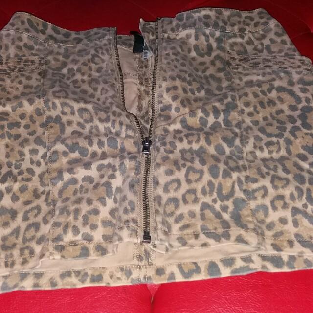 Divided leopard prints skirt