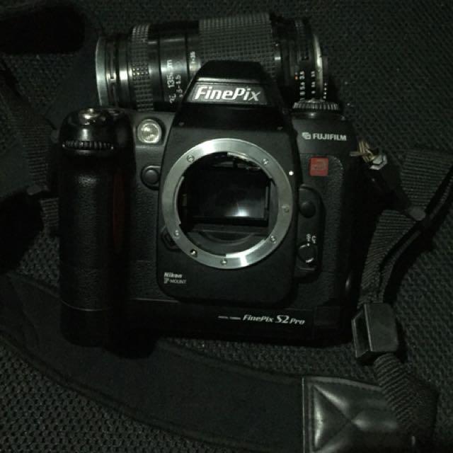 DSLR Fujifilm FinePix S2 Pro