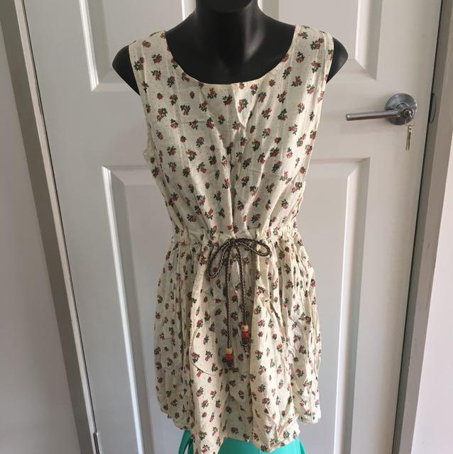 Floral Cream Dress Size 6-8