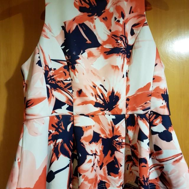 Floral Peplum Top Size 18