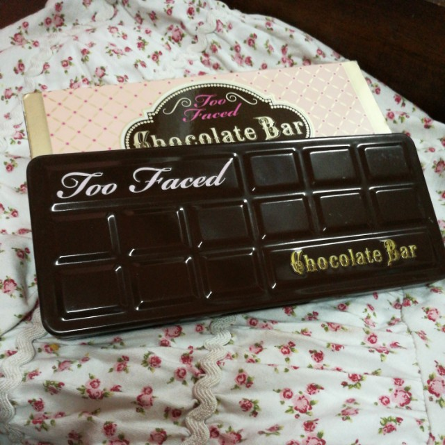 !!free postage!! Too faced chocolate bar palette