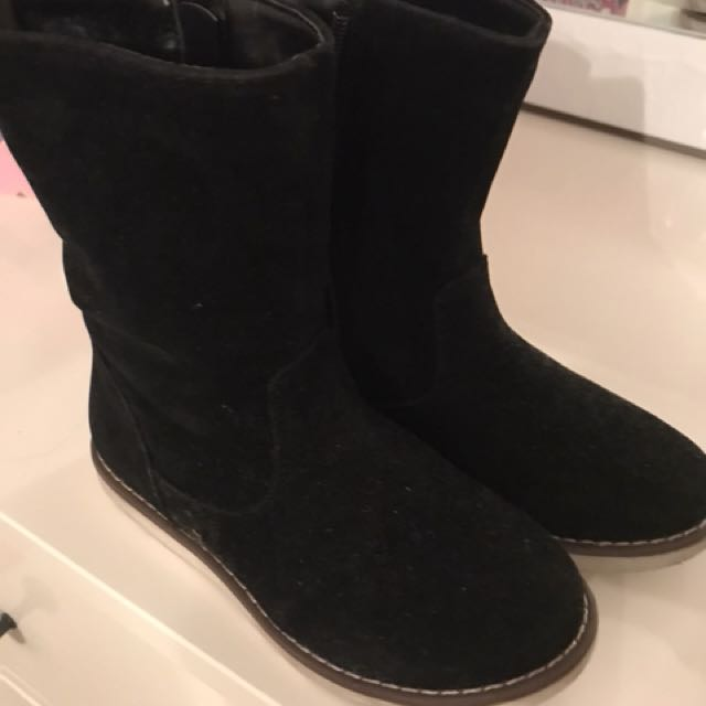 Girls boots with faux fur
