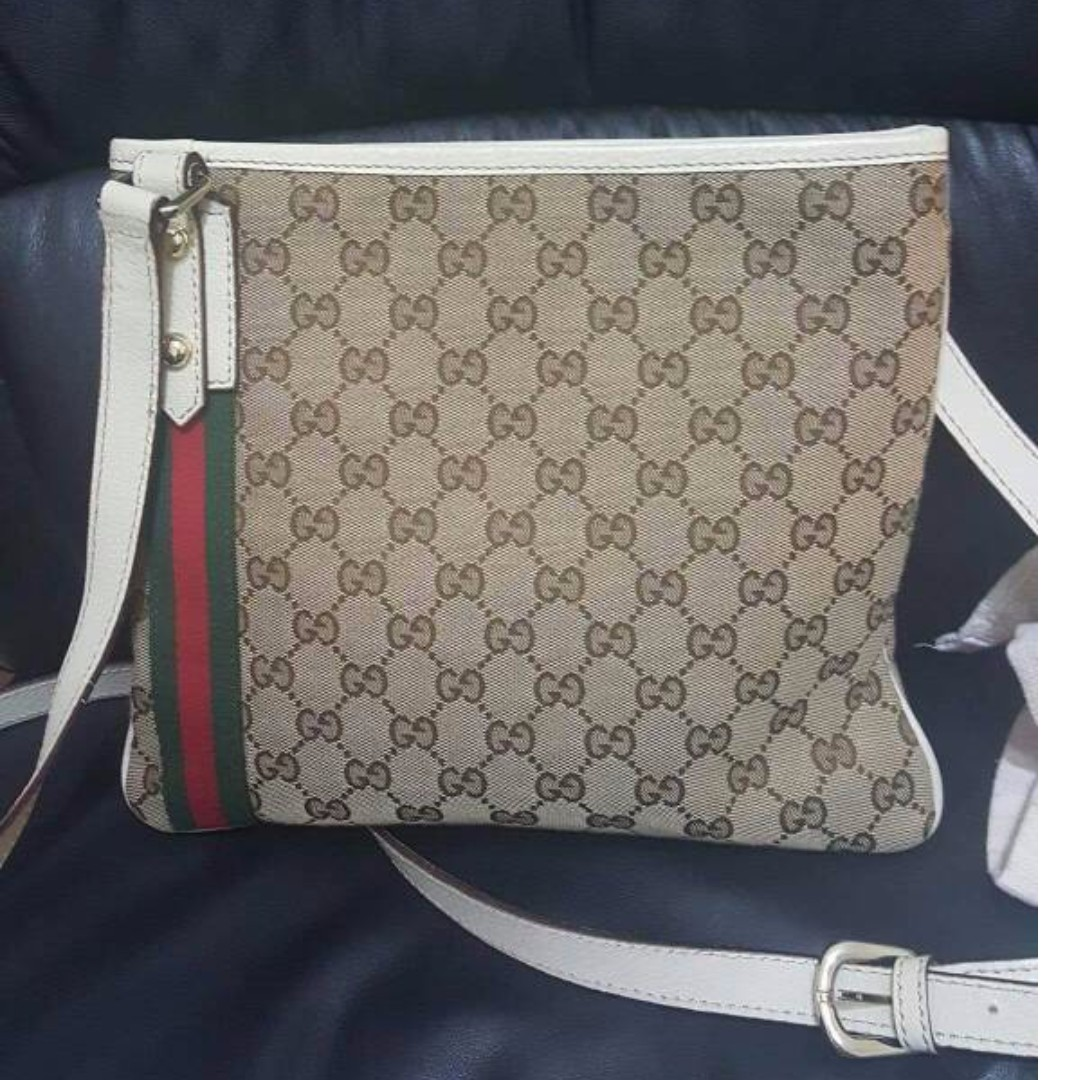 97c899fe73e0 Gucci GG Canvas Jolicoeur Messenger Bag - PIG Skin Lining, Women's Fashion,  Bags & Wallets on Carousell