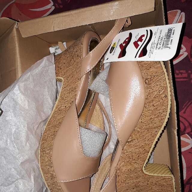 Homyped New Size 38 Nude