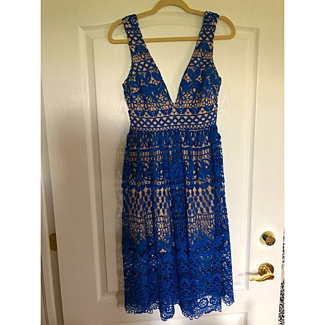 Lulus Lace Dress. Size Small