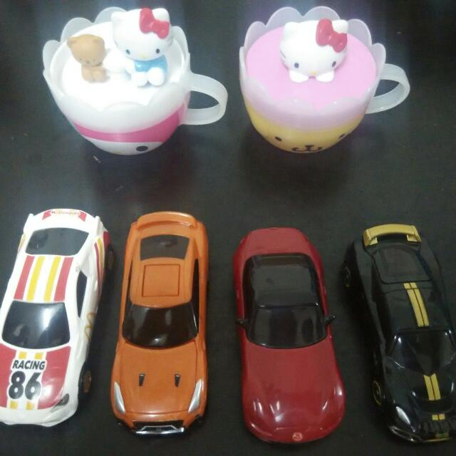 McDonald's Tomica Car And Hello kitty